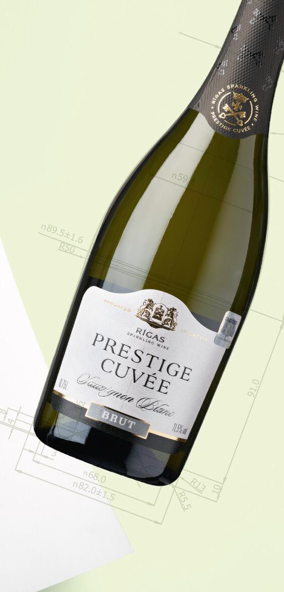 Dzirkstošo vīnu pudeles dizains